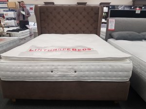 King Size Belgravia 3000 Set With Wing Headboard *Display Model*